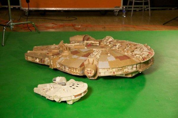 Cardboard Falcon 16