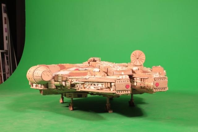 Cardboard Falcon 21