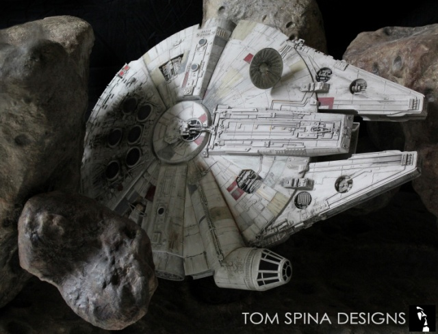 star-wars-millenium-falcon-asteroid-chase-coffee-table-8_1