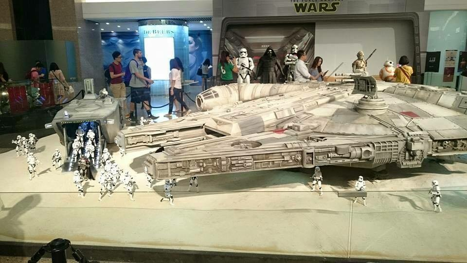 Star Wars Toy Ships : Hot toys scale millennium falcon mffanrodders s