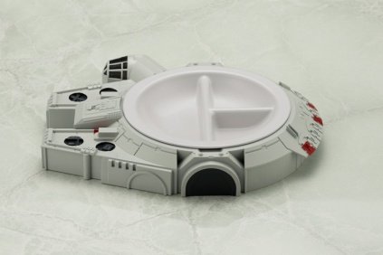 Kotobukiya Millennium Falcon Lunch Plate 3