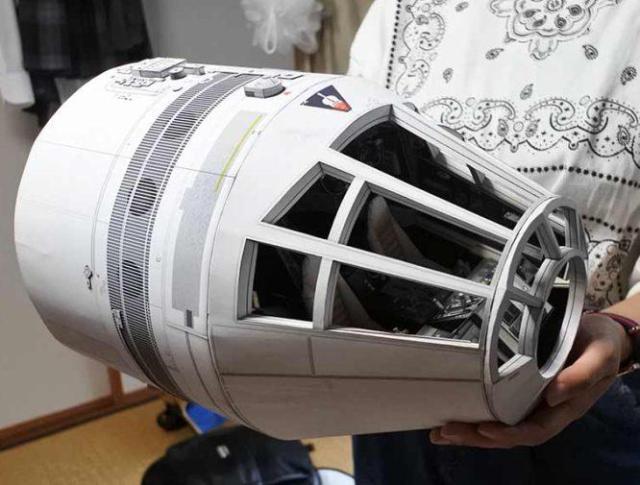 Papercraft Millennium Falcon cockpit 00