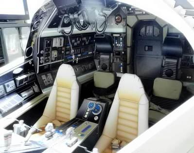 Papercraft Millennium Falcon cockpit 01