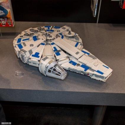 LEGO-2018-International-Toy-Far-Star-Wars-002