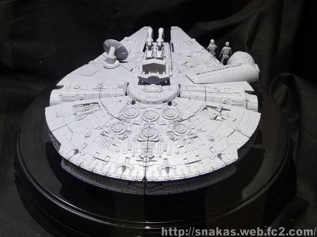 Takara Tomy Millennium Falcon 003